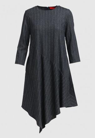 Платье с ассиметричным воланом