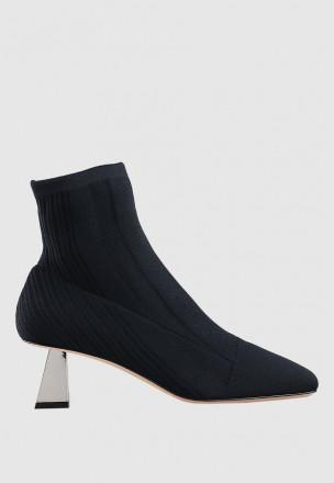 Трикотажные ботинки