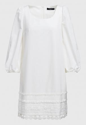 Платье с тесьмой