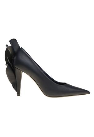 Кожаные туфли с воланом