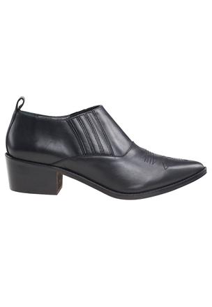 Туфли в ковбойском стиле
