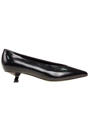 Кожаные туфли на фигурном каблуке